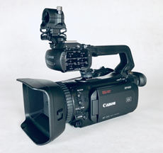 Canon XF400 Camcorder Kit photo