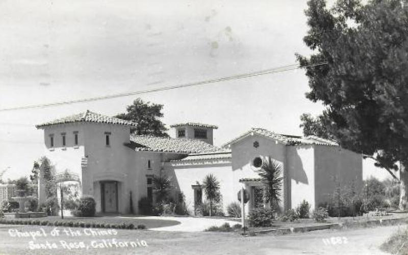 Post card view of the Chapel of Chimes circa 1947. Courtesy of Denise Hill and Joe Lilienthal photo